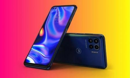 "Motorola suddenly launched 5G ""phone"" under 500 USD"